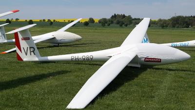 PH-989 - Rolladen-Schneider LS-4b - Private
