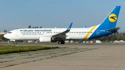 A picture of URPSG - Boeing 73785R - Ukraine Int. Airlines - © Boryspil Spotter