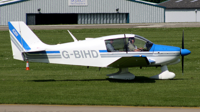 A picture of GBIHD - Robin DR400/160 - [1510] - © Terry Figg