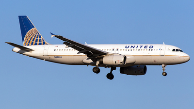 N426UA - Airbus A320-232 - United Airlines