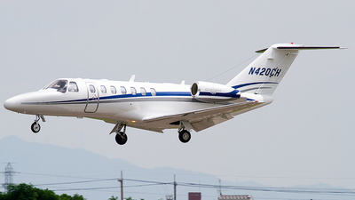 N420CH - Cessna 525B CitationJet 3 - Private