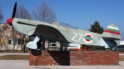 27 - Yakovlev Yak-9U-M - Bulgaria - Air Force
