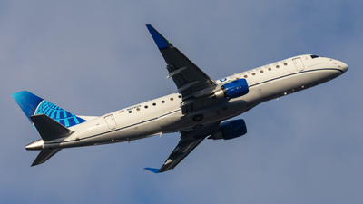 A picture of N619UX - Embraer E175LL - United Airlines - © eastex.aviation