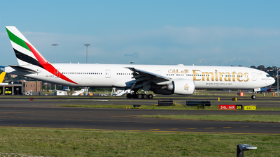 A6-EPZ - Boeing 777-31HER - Emirates