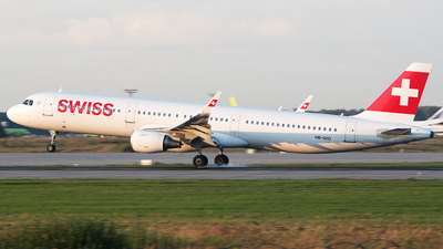 A picture of HBIOO - Airbus A321212 - Swiss - © Alexey Prokhorov