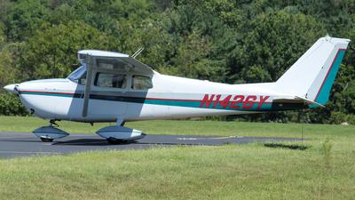 A picture of N1426Y - Cessna 172C Skyhawk - [17249126] - © nicholastoto