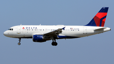 A picture of N329NB - Airbus A319114 - Delta Air Lines - © Stefan Alexandru