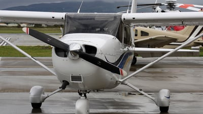 G-CBXJ - Cessna 172S Skyhawk SP - Private