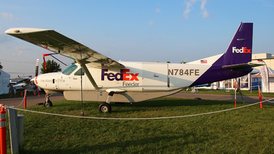 A picture of N784FE - Cessna 208B Super Cargomaster - FedEx - © Zihaoo W & Donny H Photography