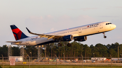A picture of N321DH - Airbus A321211 - Delta Air Lines - © John Mageropoulos