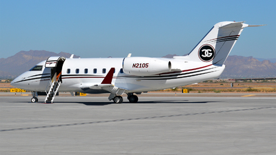 N2105 - Canadair CL-600-1A11 Challenger 600 - Private