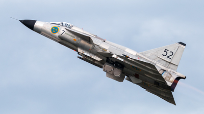SE-DXN - Saab AJS37 Viggen - Swedish Airforce Historic Flight