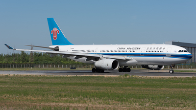 B-6058 - Airbus A330-243 - China Southern Airlines