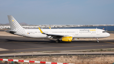 EC-MHA - Airbus A321-231 - Vueling