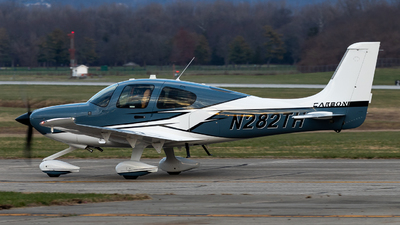 A picture of N282TH - Cirrus SR22 - [4748] - © Jake Simpson