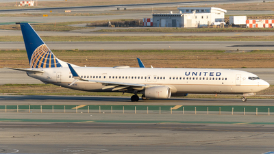 A picture of N69830 - Boeing 737924(ER) - United Airlines - © global_flyer1