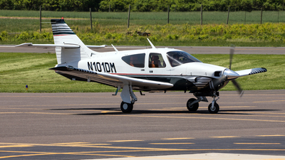 N101DM - Rockwell Commander 112A - Private