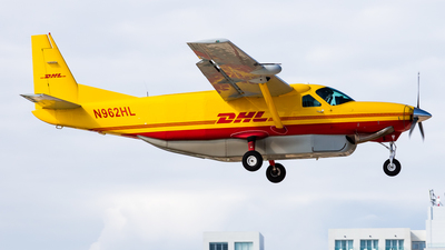 A picture of N962HL - Cessna 208B Super Cargomaster - DHL - © Brandon Giacomin
