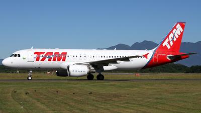 PR-MHA - Airbus A320-214 - TAM Linhas Aéreas