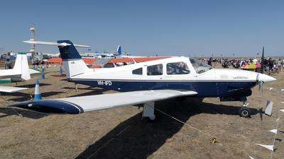VH-IFD - Piper PA-28RT-201T Turbo Arrow IV - Private