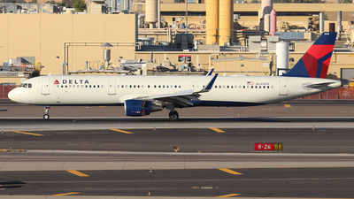 A picture of N349DX - Airbus A321211 - Delta Air Lines - © Sam Thomas