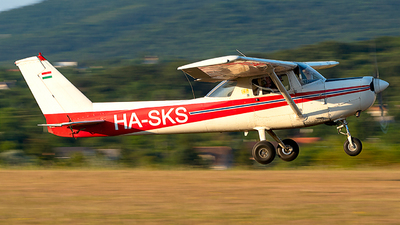 HA-SKS - Cessna 152 II - Private