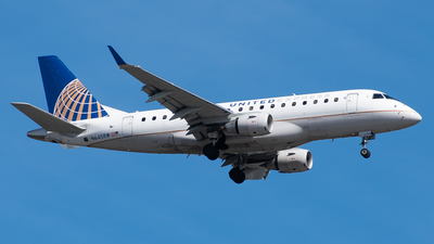 A picture of N645RW - Embraer E170SE - United Airlines - © Devin R