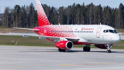 A picture of RA89128 - Sukhoi Superjet 10095 - Rossiya - © Anton Tochilkin