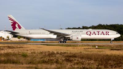 A picture of A7BET - Boeing 7773DZ(ER) - Qatar Airways - © Sebastian Sowa