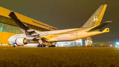 CS-TQX - Boeing 777-2FBLR - Ceiba Intercontinental (White Airways)
