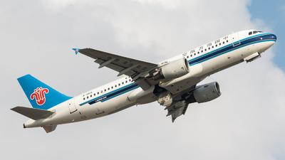 A picture of B6815 - Airbus A320214 - China Southern Airlines - © Jack  Li