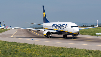 A picture of 9HQCZ - Boeing 7378AS - Ryanair - © Matteo Buono
