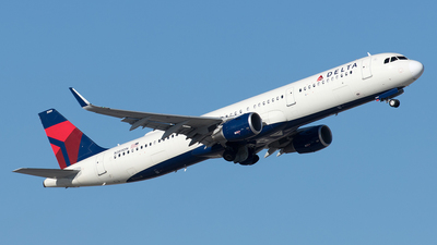 A picture of N389DN - Airbus A321211 - Delta Air Lines - © Yixin Chen