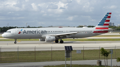 A picture of N150UW - Airbus A321211 - American Airlines - © Juan Camilo Rojas