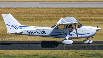 VH-KXW - Cessna 172S Skyhawk SP - Curtin Flying Club