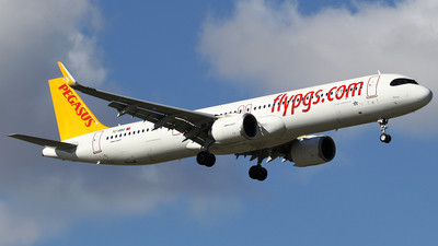 A picture of TCRBG - Airbus A321251NX - Pegasus Airlines - © Jeroen Stroes