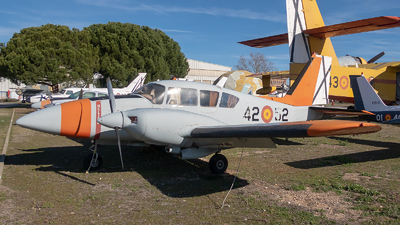 E.19-3 - Piper PA-23-250 Aztec E - Spain - Air Force