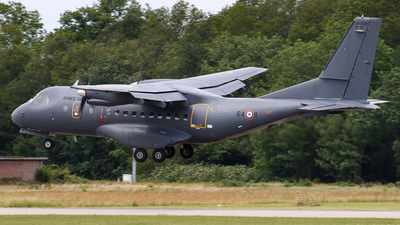 111 - CASA CN-235M-200 - France - Air Force