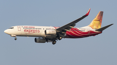 VT-AXH - Boeing 737-8HJ - Air India Express