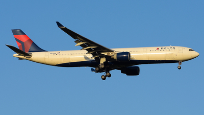 A picture of N821NW - Airbus A330323 - Delta Air Lines - © Luca Cesati
