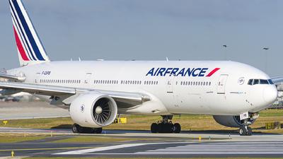 A picture of FGSPB - Boeing 777228(ER) - Air France - © guillaume fevrier