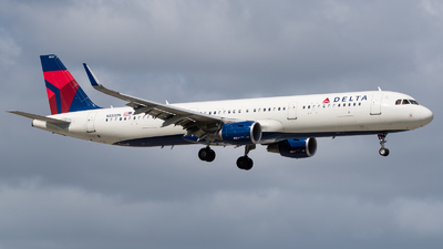 A picture of N332DN - Airbus A321211 - Delta Air Lines - © Positive Rate Photography