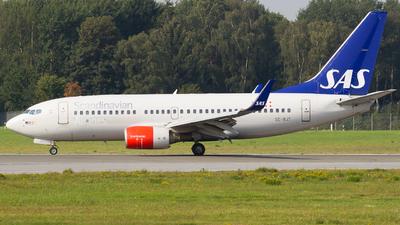 SE-RJT - Boeing 737-76N - Scandinavian Airlines (SAS)