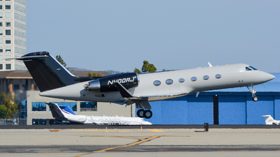 A picture of N400AJ - Gulfstream IV - [1129] - © Braeden Post