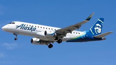 A picture of N642QX - Embraer E175LR - Alaska Airlines - © Taylor Kim
