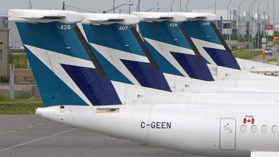 C-GEEN - Bombardier Dash 8-Q402 - WestJet Encore