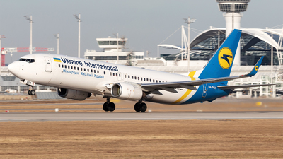 A picture of URPSX - Boeing 7378EH - Ukraine Int. Airlines - © Moritz Babl