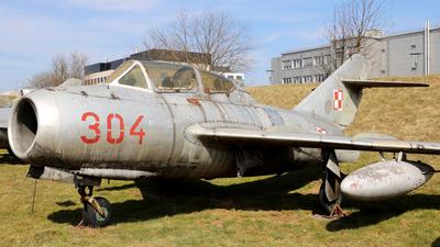 304 - WSK-Mielec SB Lim-2A - Poland - Air Force