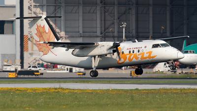 A picture of CGJSX - De Havilland Canada Dash 8100 - Voyageur Airways - © Wojtek Kmiecik