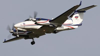 RA-02812 - Beechcraft B300 King Air 350 - Private